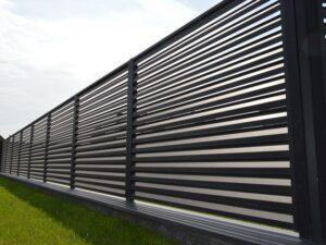 забор горизонтальные жалюзи фото